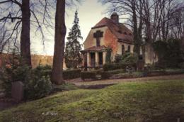 friedhof-st-nikolai-triebischtal-kapelle-vorderansicht