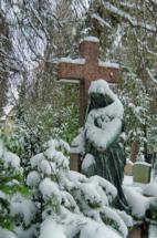 johannesfriedhof-meißen-cölln-winter-figur