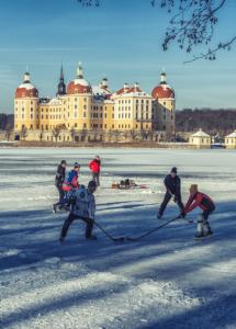 schloss-moritzburg-eishockey